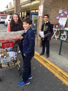 thanksgiving-food-drive-2015-11-27